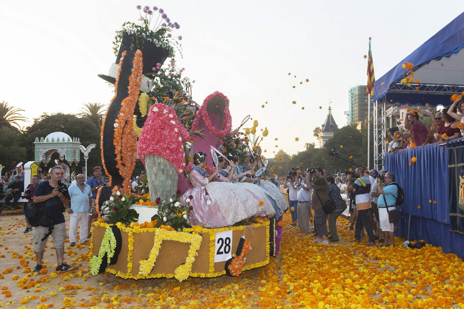 battle of flowers1 Battle of Flowers   Legendary Fiesta in Valencia