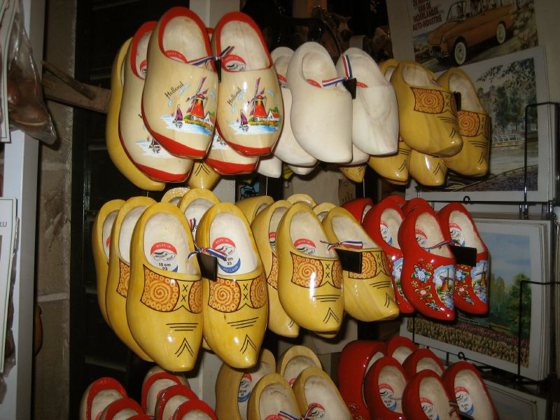 funny clogs traditional holand 5 Funny Clogs the Traditional Holand Footwear