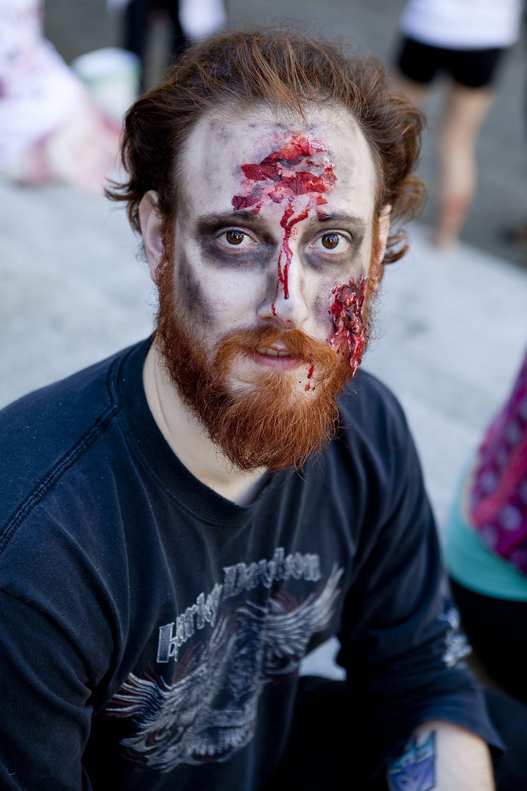 zombie10 Vancouvers Biggest Zombie Walk 2014