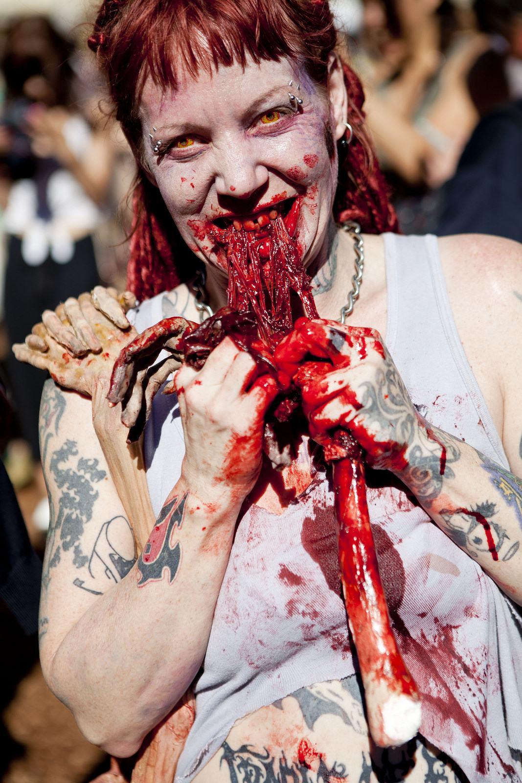 zombie4 Vancouvers Biggest Zombie Walk 2014