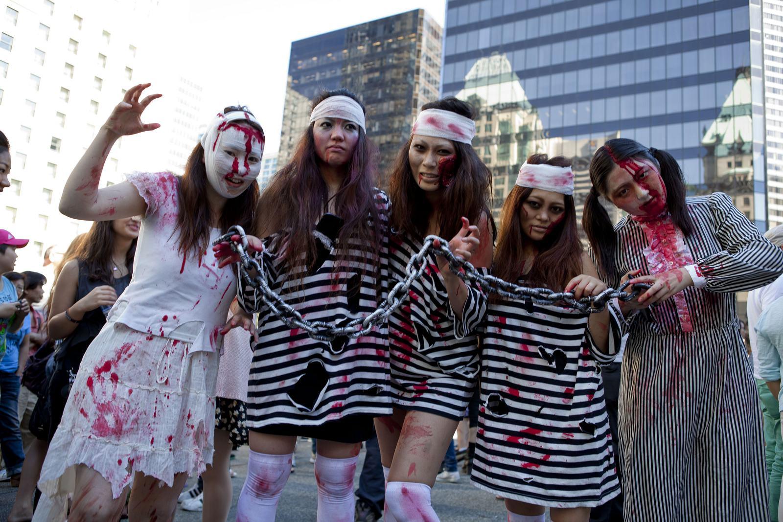 zombie8 Vancouvers Biggest Zombie Walk 2014