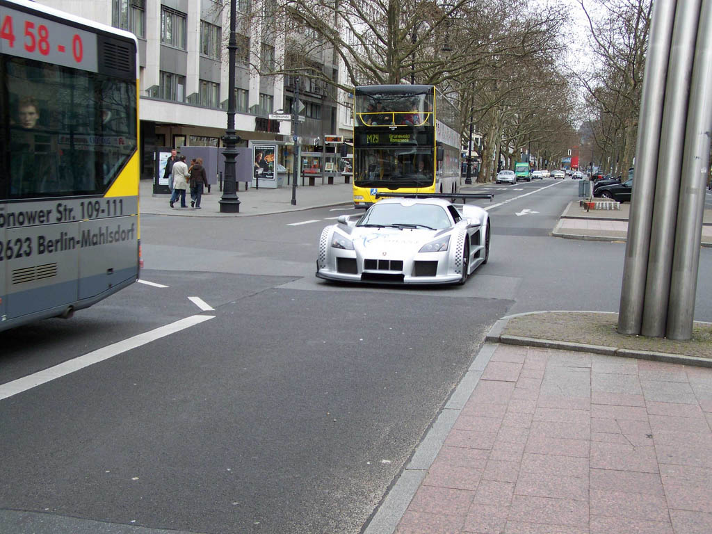 amazing supercars streets berlin9 Amazing Supercars in the Streets of Berlin