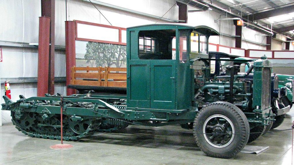 classic trucks2 Classic Trucks in Hays Antique Museum, California