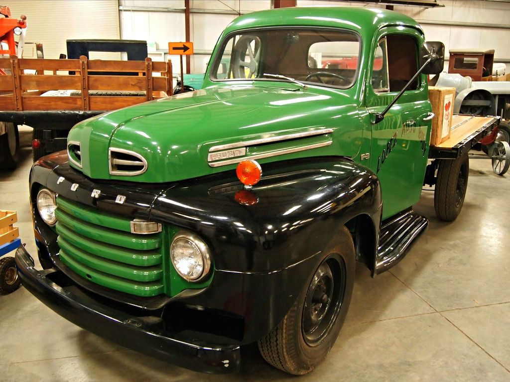 classic trucks20 Classic Trucks in Hays Antique Museum, California