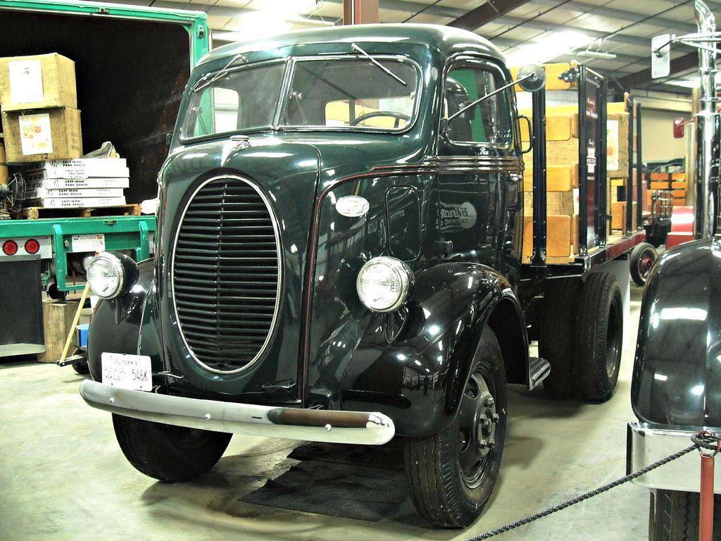 classic trucks8 Classic Trucks in Hays Antique Museum, California