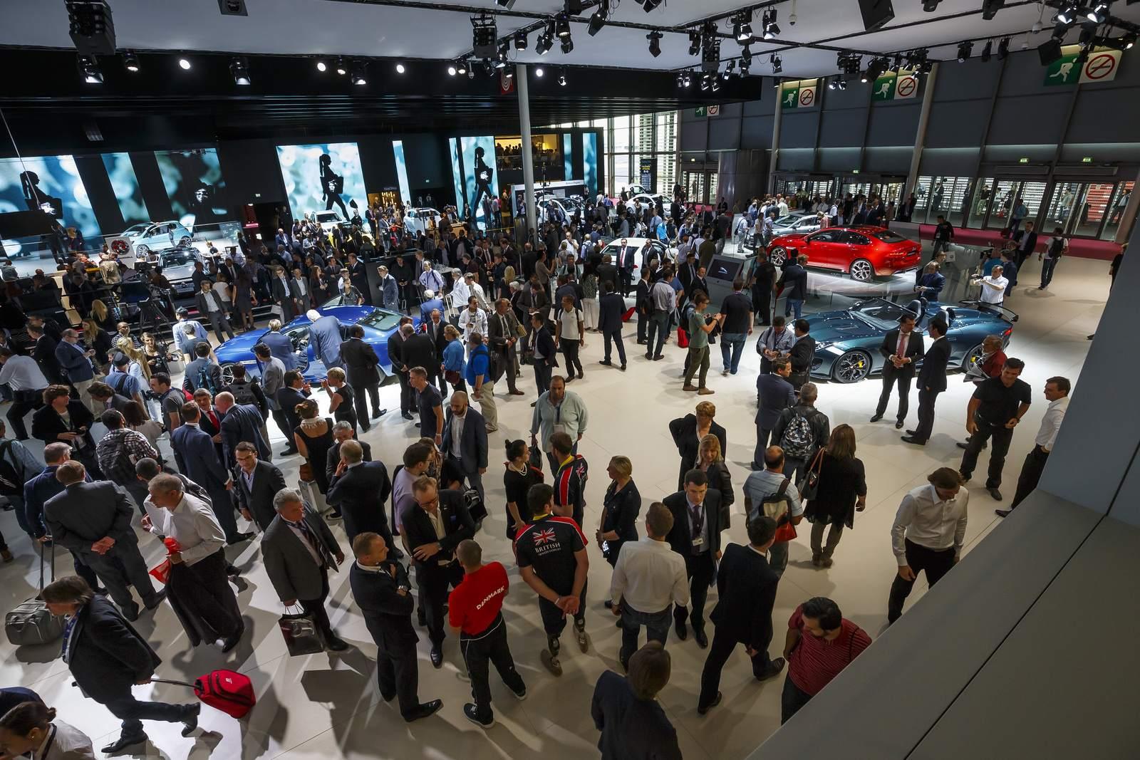 paris motor show4 Jaguar and Land Rover at Paris Auto Show 2014