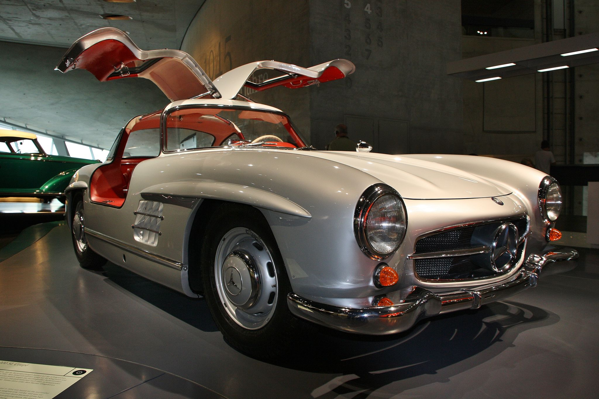 mercedes benz museum1 Mercedes Benz Museum in Stuttgart, Germany
