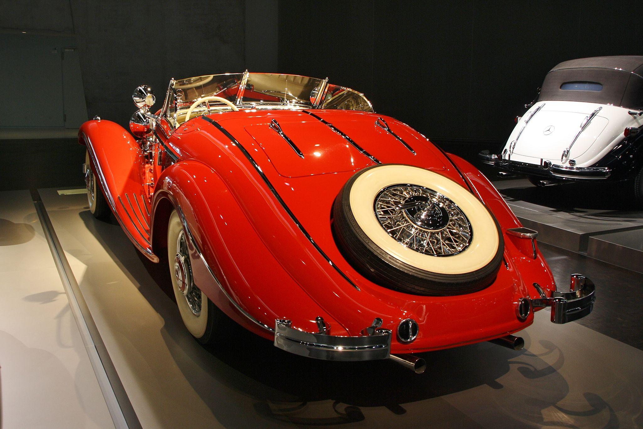 mercedes benz museum4 Mercedes Benz Museum in Stuttgart, Germany
