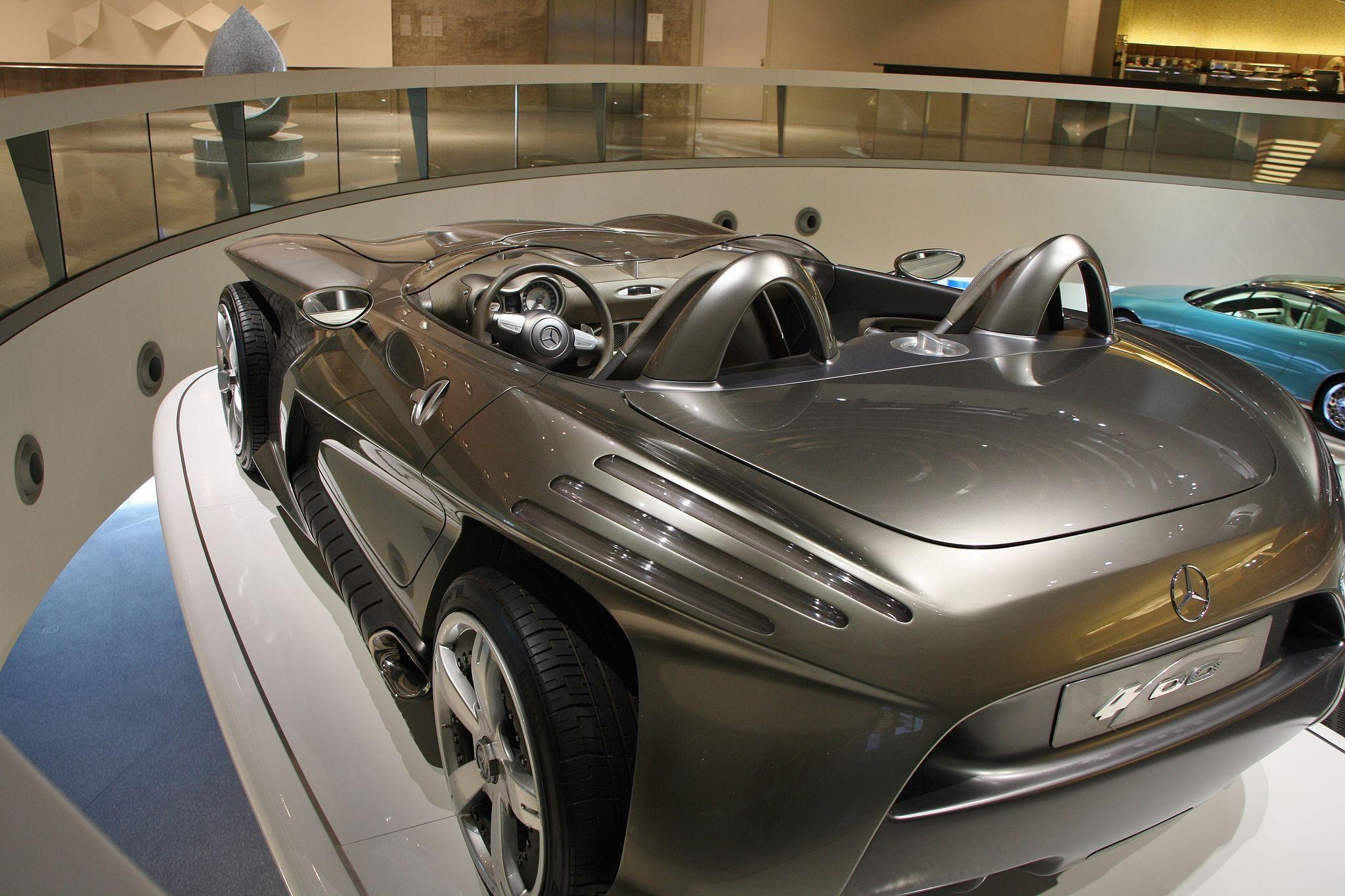 mercedes benz museum9 Mercedes Benz Museum in Stuttgart, Germany