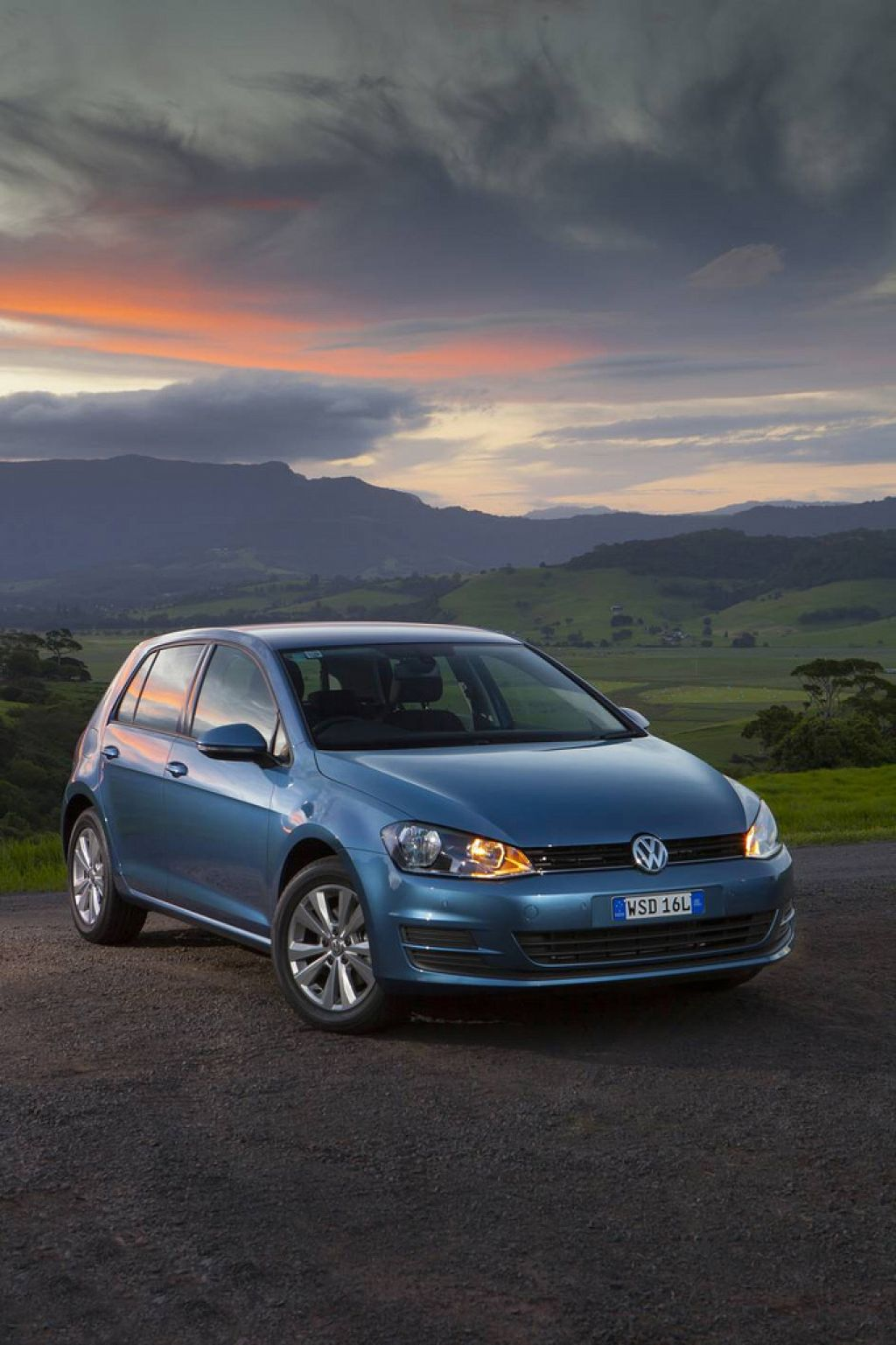 golf vii New Volkswagen Golf VII Driving