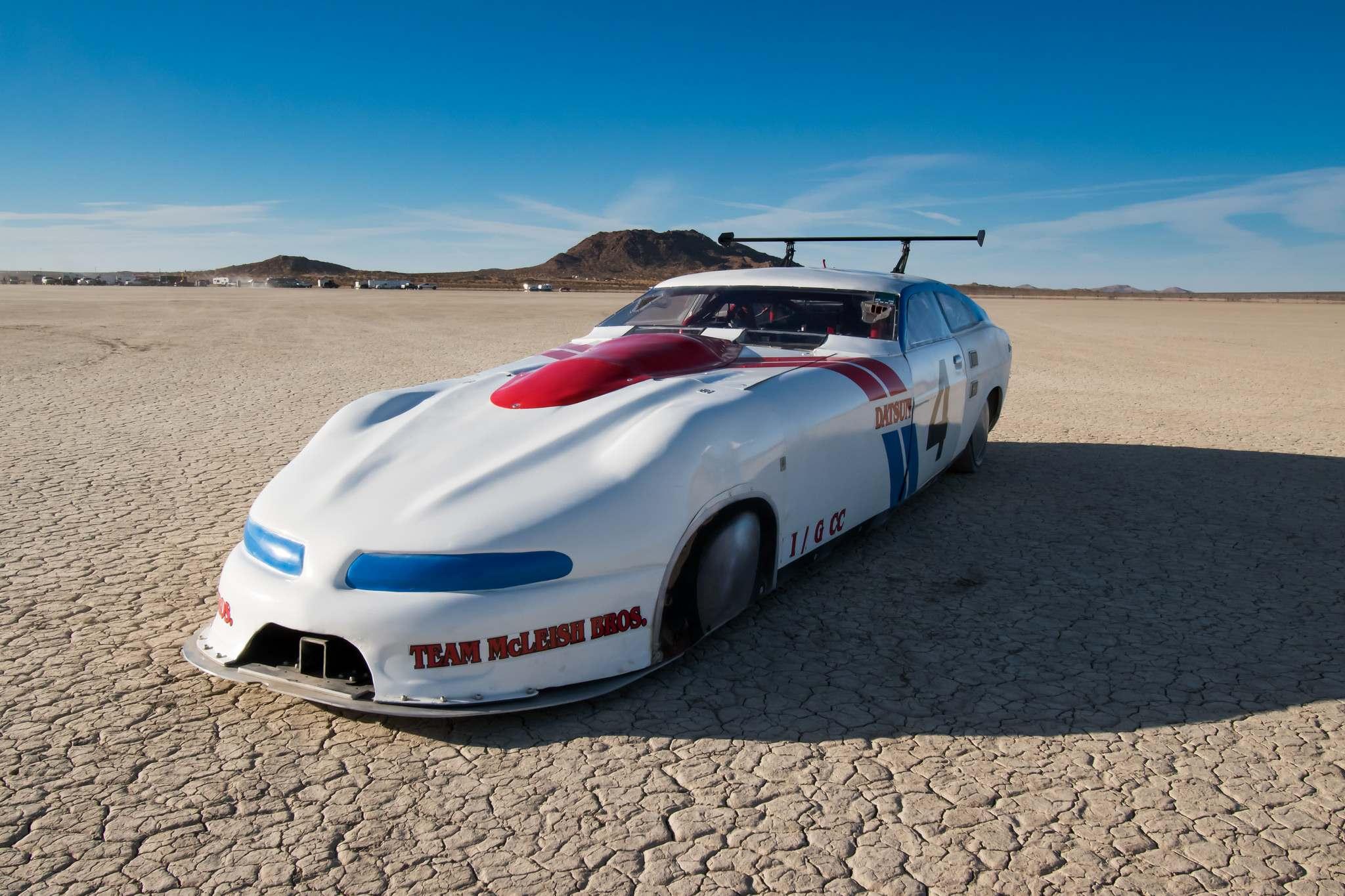 land speed racing1 Speed Racing at El Mirage Dry Lake