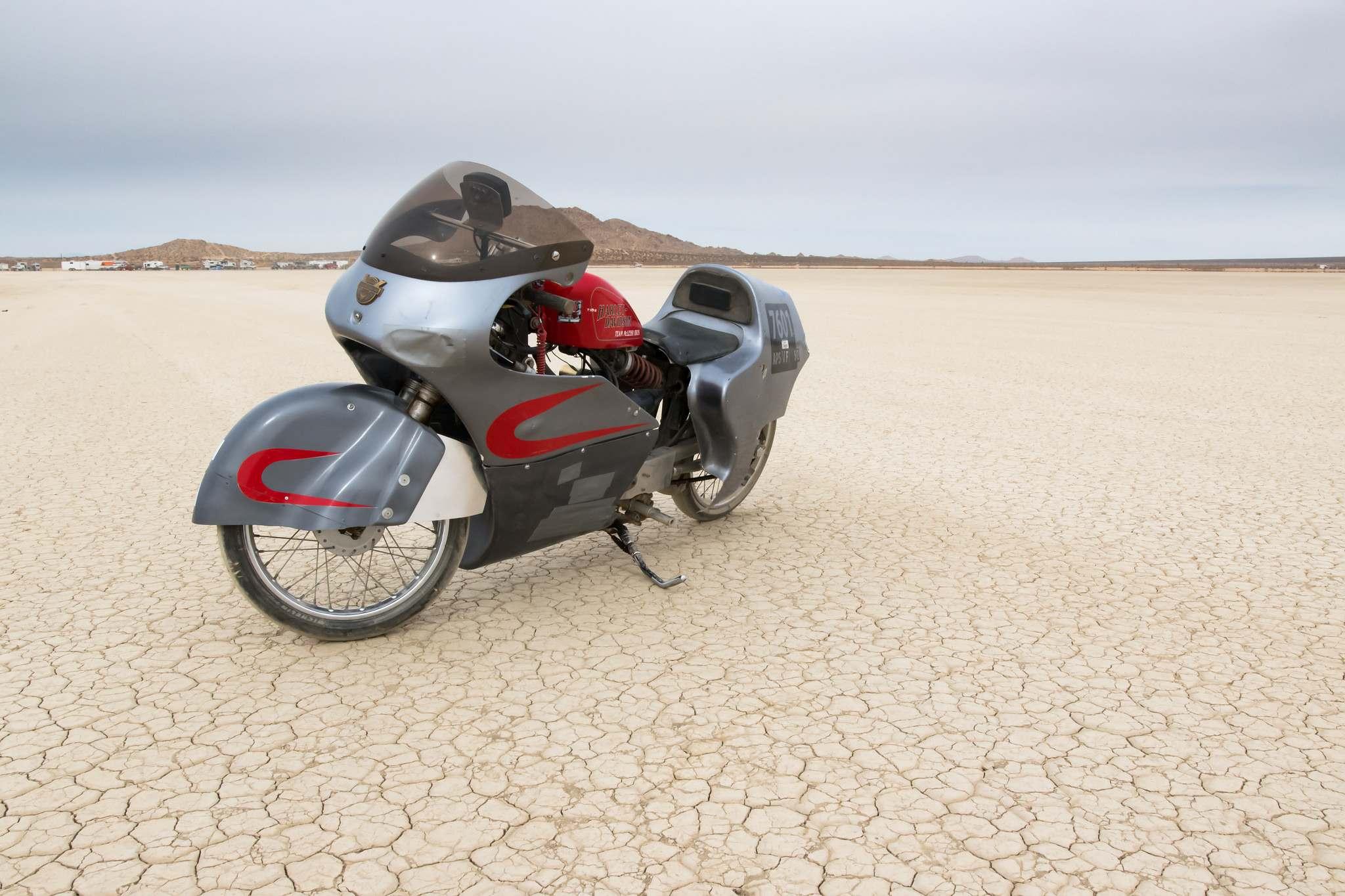 land speed racing5 Speed Racing at El Mirage Dry Lake