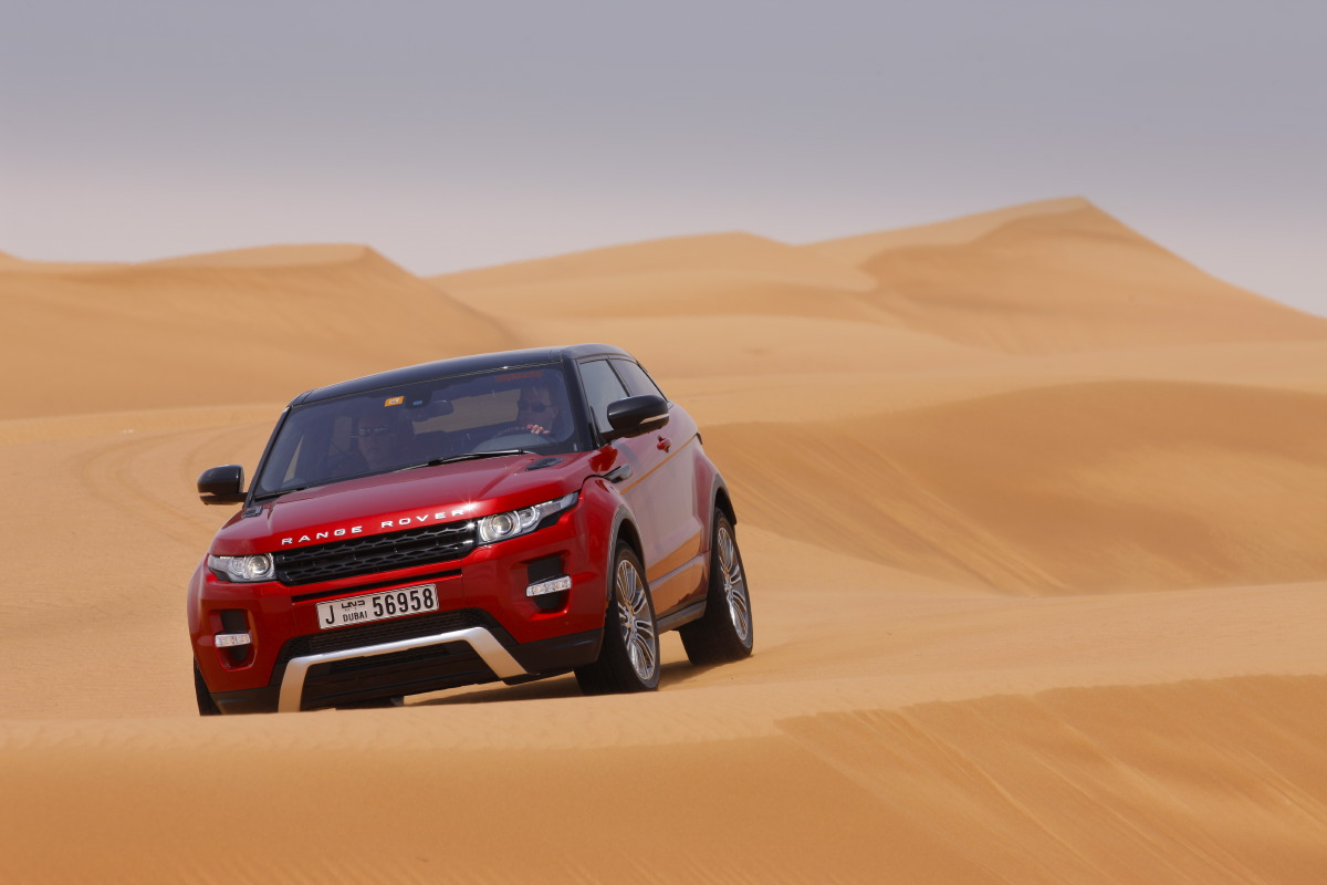 range rover evoque11 Welcome to Desert with Range Rover Evoque