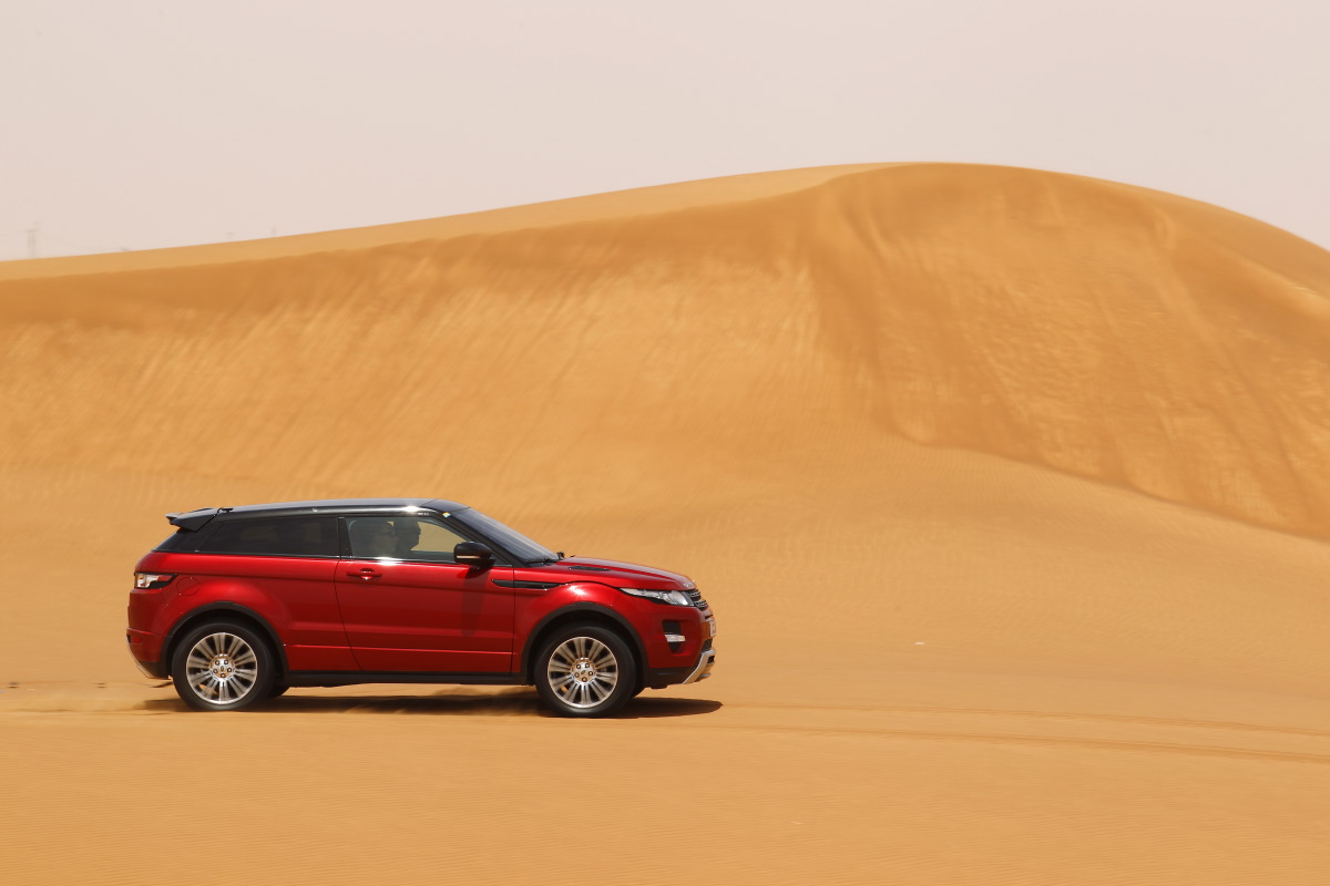 range rover evoque14 Welcome to Desert with Range Rover Evoque