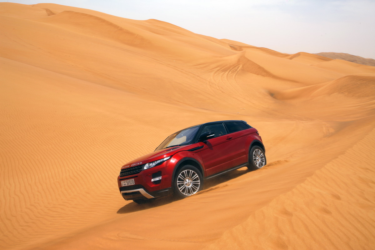 range rover evoque3 Welcome to Desert with Range Rover Evoque