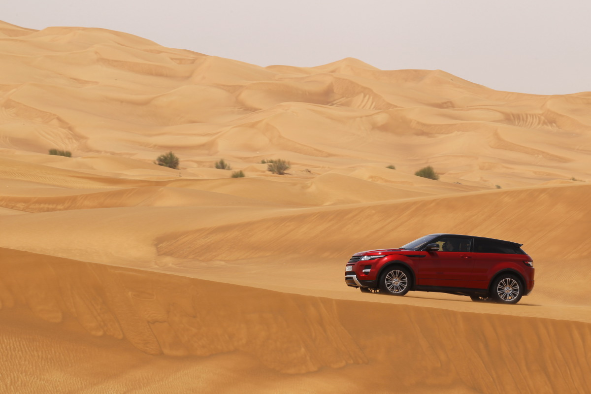 range rover evoque9 Welcome to Desert with Range Rover Evoque