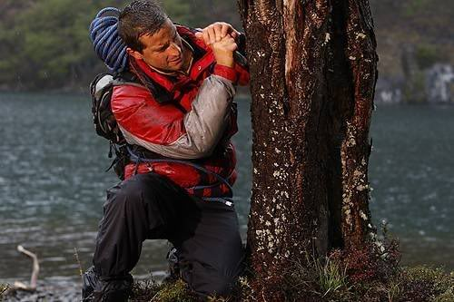 survival bear grylls3 Bear Grylls is a Pretty Cool Guy