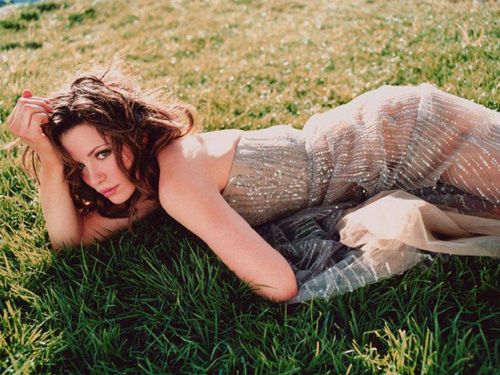 kate beckinsale7 Dangerous Girl Kate Beckinsale