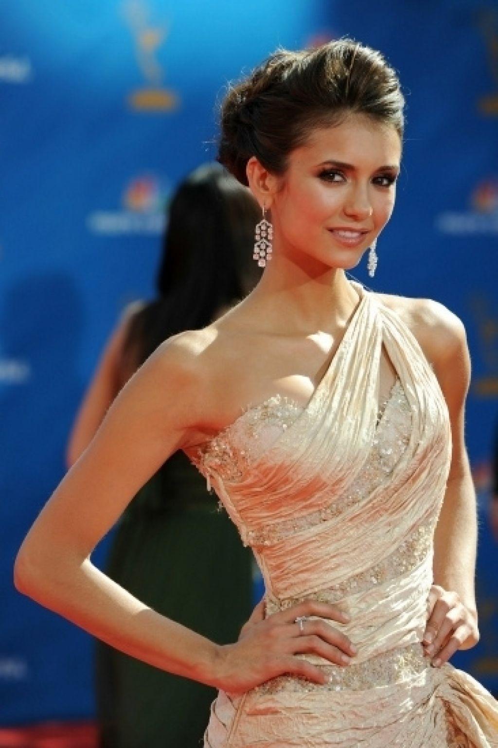 nina dobrev1 Gorgeous Nina Dobrev   Canadian Actress and Model