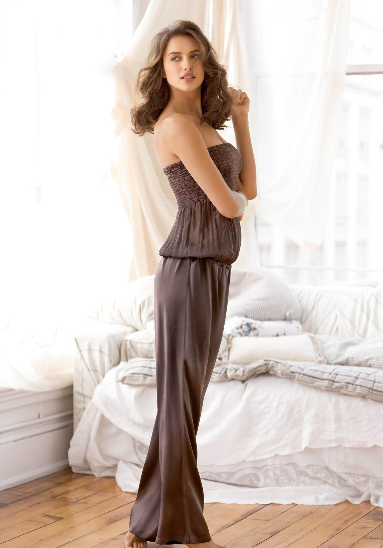 irina shayk10 Model Irina Shayk, Christiano Ronaldo`s Girlfriend