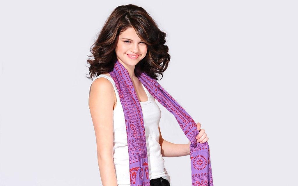 selena gomez picture4 Selena Gomez Teenage SuperStar