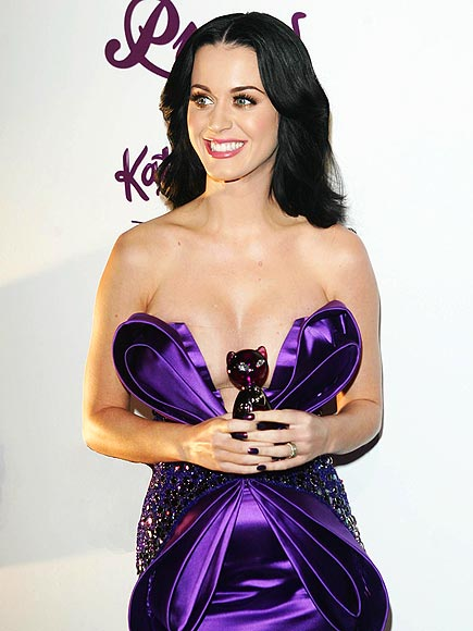 katy perry pictures Sweet Katy Perry in Purple Dresses