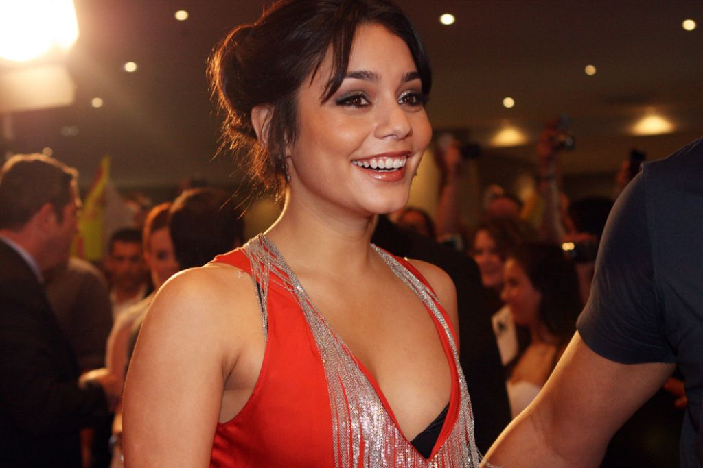 vanessa hudgens3 Vanessa Hudgens Biography and Filmography