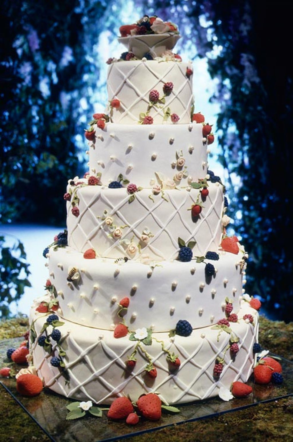 wedding cake Creative Wedding Cakes Inspiration