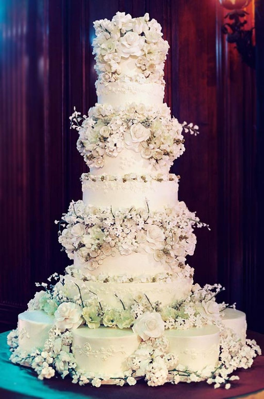 wedding cake10 Creative Wedding Cakes Inspiration