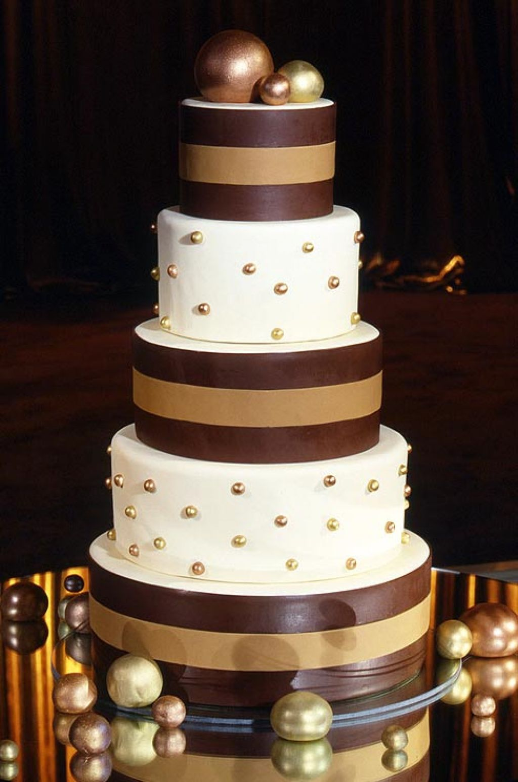 wedding cake11 Creative Wedding Cakes Inspiration