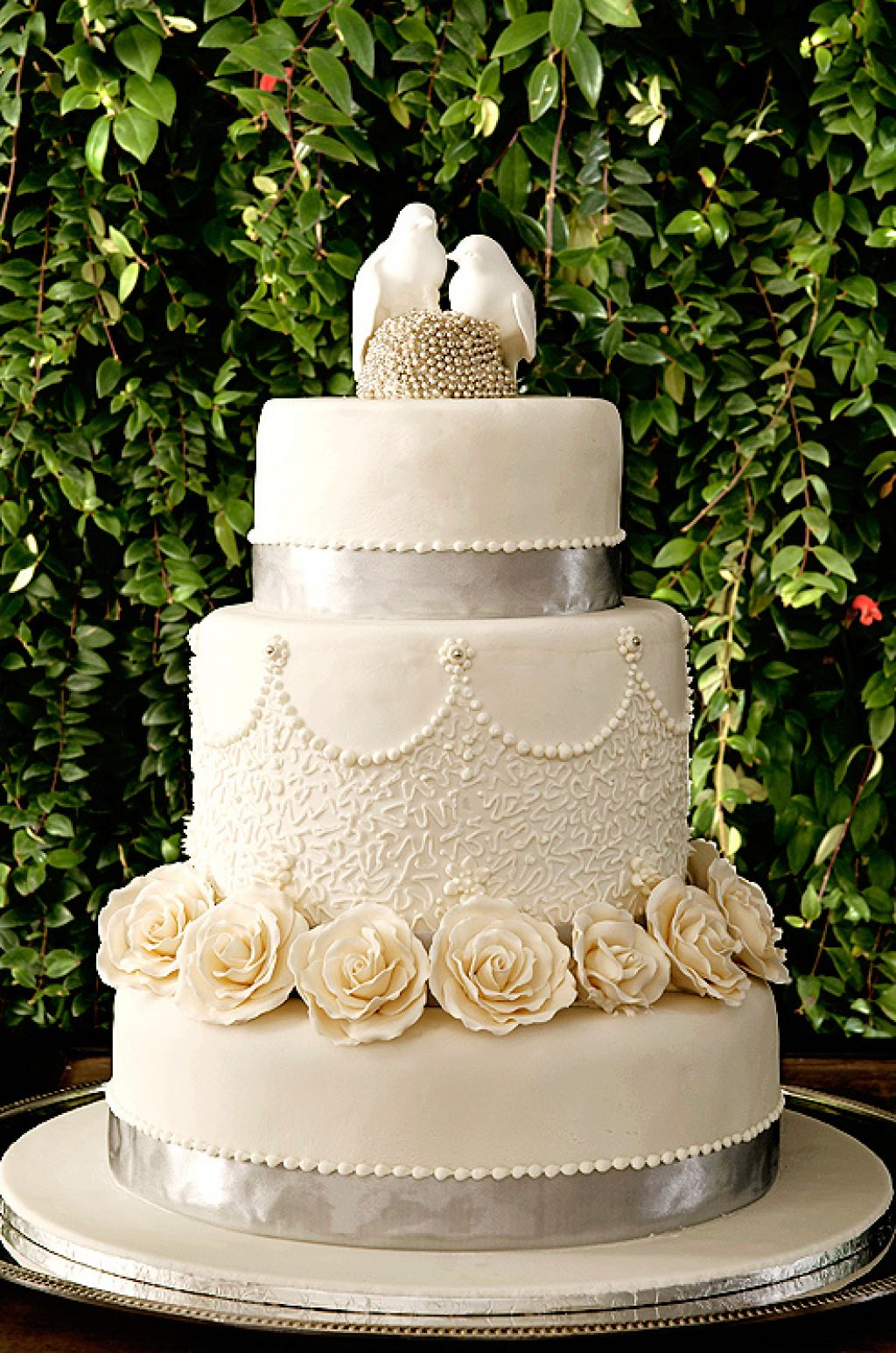 wedding cake3 Creative Wedding Cakes Inspiration