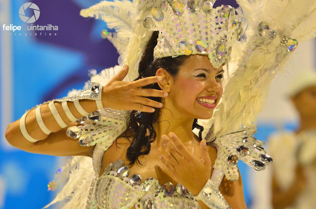 carnival rio 2011 Brazilian Carnival Costumes in Rio de Janeiro 2011