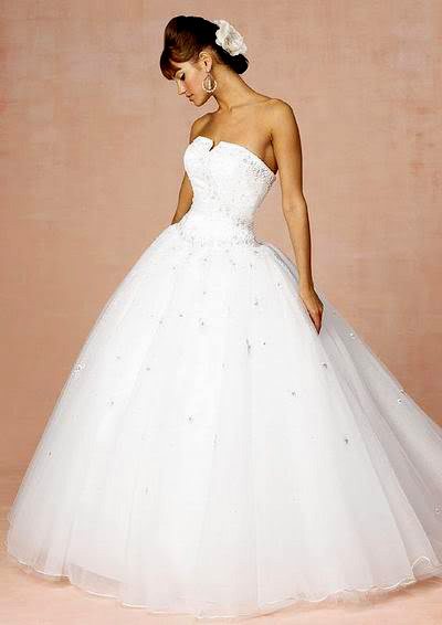 white wedding dress12 Be a Princess in White Wedding Dress