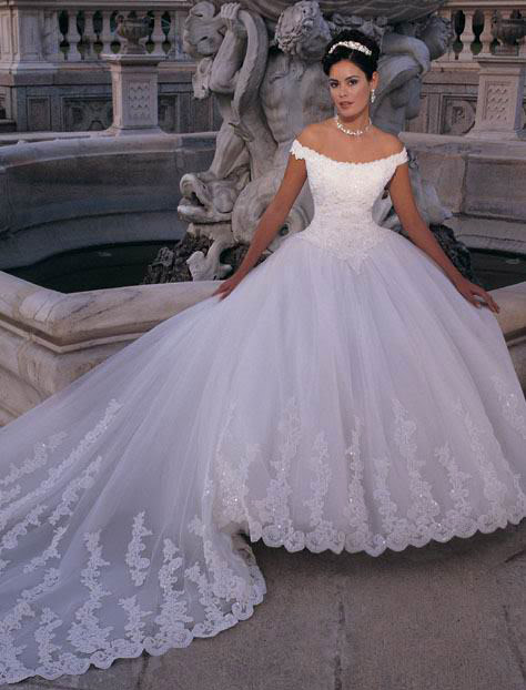 white wedding dress2 Be a Princess in White Wedding Dress