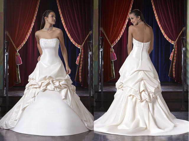 white wedding dress3 Be a Princess in White Wedding Dress