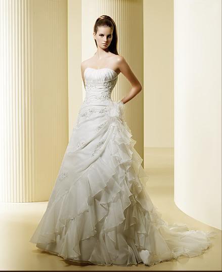 white wedding dress6 Be a Princess in White Wedding Dress