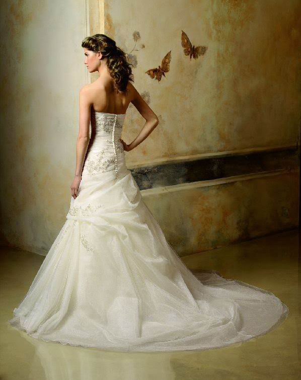 white wedding dress9 Be a Princess in White Wedding Dress