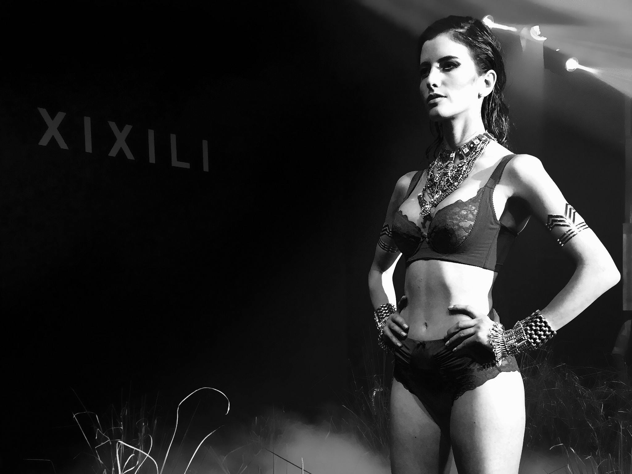 xixili Xixili Fashion Night Walks