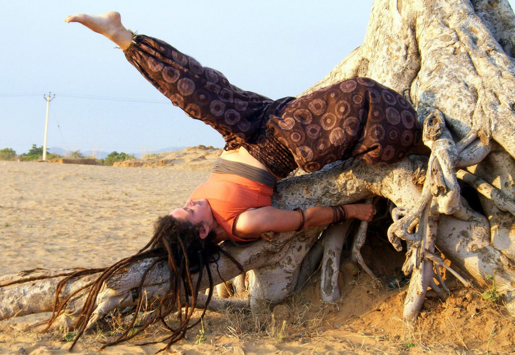 yoga poses9 Desert Yoga Exercise
