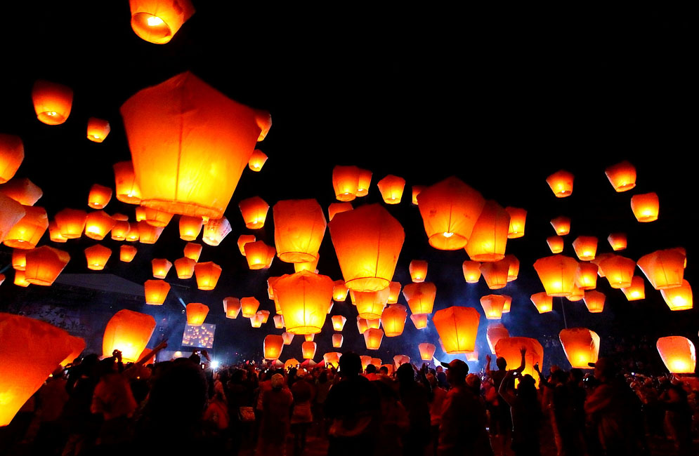 sky lantern1 How to Launch Sky Flying Lanterns ?