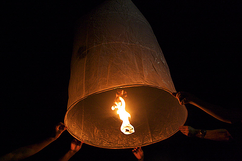 sky lantern11 How to Launch Sky Flying Lanterns ?