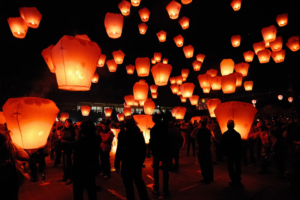sky lantern3 How to Launch Sky Flying Lanterns ?
