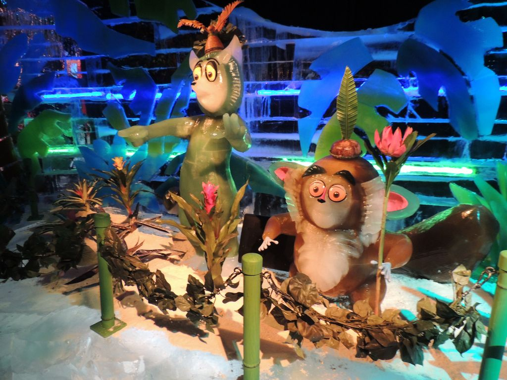 gaylord palms ice1 Madagascar Ice Sculptures Coolest Exhibit in Orlando