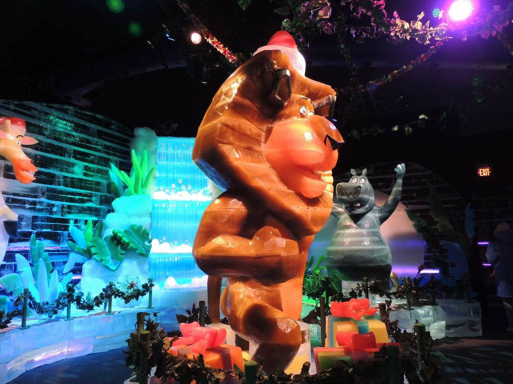gaylord palms ice7 Madagascar Ice Sculptures Coolest Exhibit in Orlando