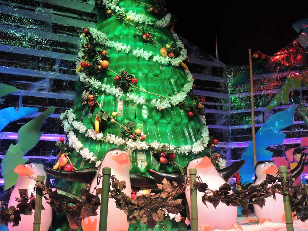 gaylord palms ice9 Madagascar Ice Sculptures Coolest Exhibit in Orlando