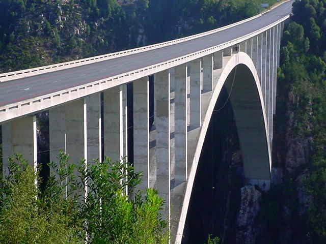 highest bungy Worlds Highest Bungy from 216 m High Bloukrans Bridge