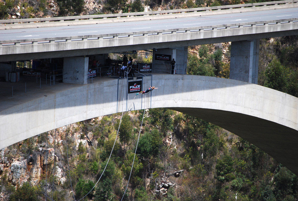 highest bungy1 Worlds Highest Bungy from 216 m High Bloukrans Bridge