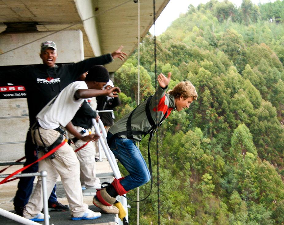 highest bungy3 Worlds Highest Bungy from 216 m High Bloukrans Bridge