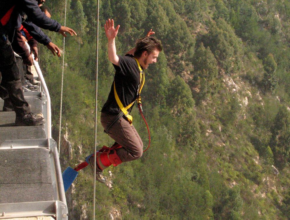 highest bungy8 Worlds Highest Bungy from 216 m High Bloukrans Bridge