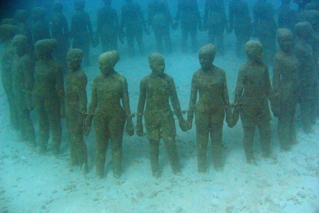 underwater sculpture5 Amazing Underwater Sculpture Park at Moliniere Bay, Grenada